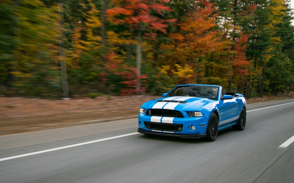 2013-Ford-Shelby-GT500-front-three-quarter-in-motion-2-1024x640