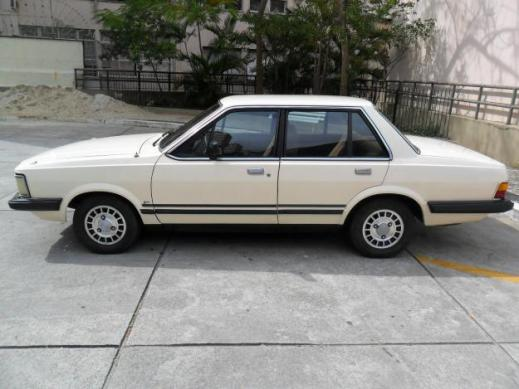 1351021368_449300194_3-Ford-Del-Rey-Serie-Ouro-1981-4-portas-Rio-de-Janeiro