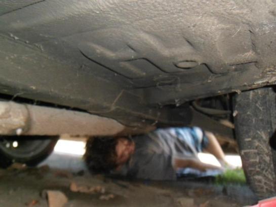 Fundo do carro em bom estado sem podres ou amassados