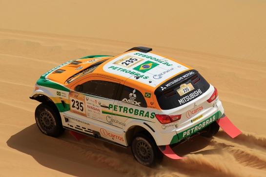 Rally de Abu Dhabi segue até quinta-feira - Jorge Cunha / Aifa / Mitsubishi