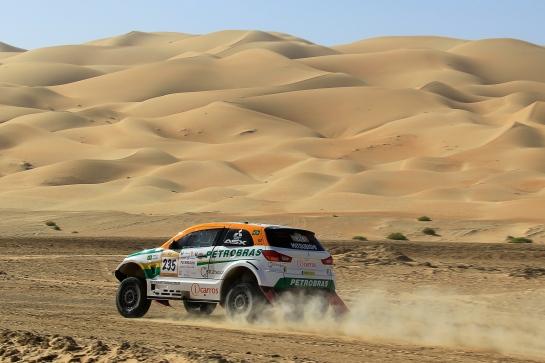 Desertos intermináveis no Rally de Abu Dhabi - Jorge Cunha / Aifa / Mitsubishi