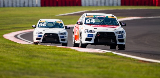 Mitsubishi Lancer Cup utiliza o sistema Seat&Drive - Tom Papp / Mitsubishi