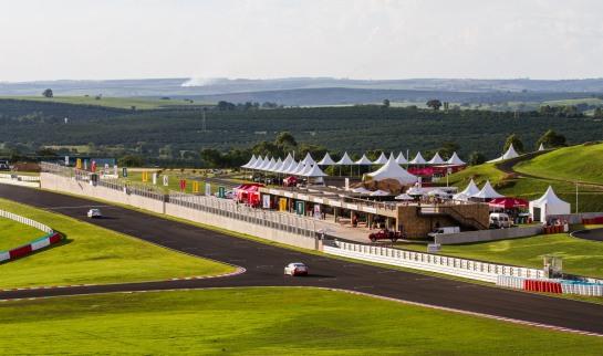 Mitsubishi Lancer Cup é realizada no autódromo Velo Città - Tom Papp / Mitsubishi