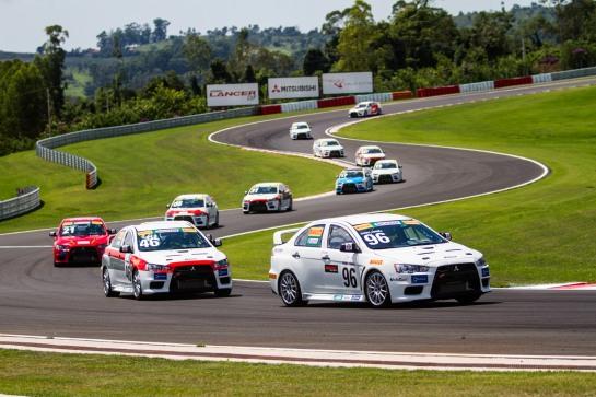 Pilotos gentlemen drivers irão acelerar pela 2ª vez em 2013 - Tom Papp / Mitsubishi