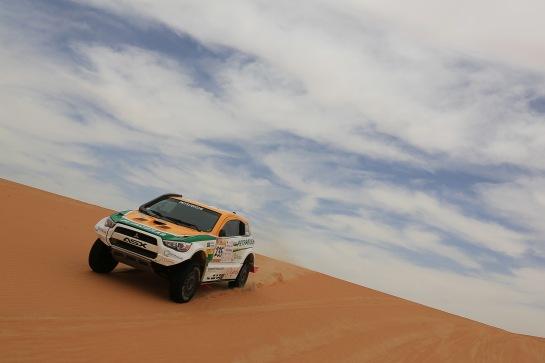 Rally de Abu Dhabi segue até quinta-feira - Jorge Cunha / Aifa / Mitsubish