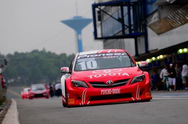 O piloto Ricardo Zonta é o quarto colocado na Copa Petrobras de Marcas. - Duda Bairros/Vicar