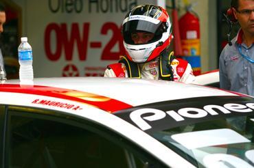 Ricardo Maurício lidera a Copa Petrobras de Marcas com seu Honda Civic. Bruno Terena/Vicar