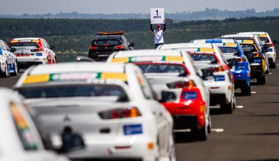 Pilotos gentlemen drivers vão acelerar na Lancer Cup - Tom Papp/Mitsubishi