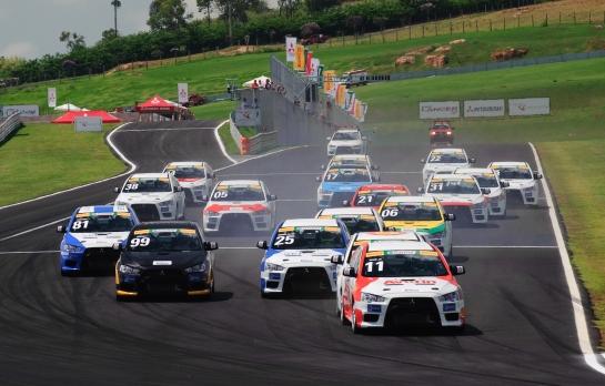 Mitsubishi Lancer Cup é realizada no autódromo Velo Città, em Mogi Guaçu - David Santos Jr/Mitsubishi