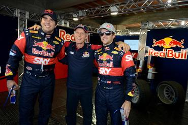 Festa na Red Bull, com Serra na pole, Cacá em segundo e o chefe Andreas Mattheis - Fernanda Freixosa/Vicar