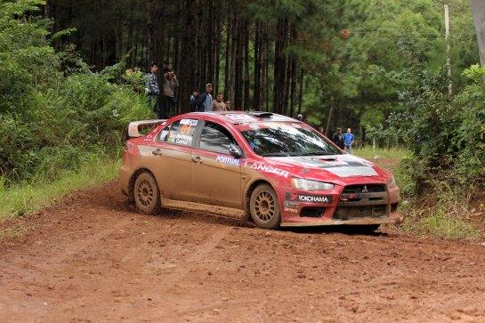 Dupla da Mitsubishi volta a acelerar o Lancer Evo X no Rally de Erechim - Divulgação