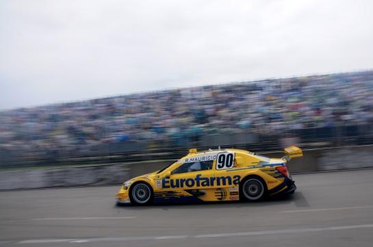 Ricardo Maurício foi o mais veloz e venceu pela décima vez na Stock Car. -  Duda Bairros/Vicar