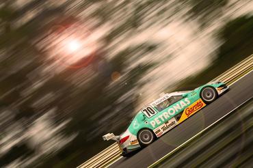 Diego Nunes vai chegar a 245 km/h na reta - Foto: Luca Bassani