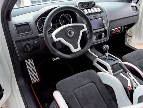 Volkswagen-Golf-GTI-W12-650-12