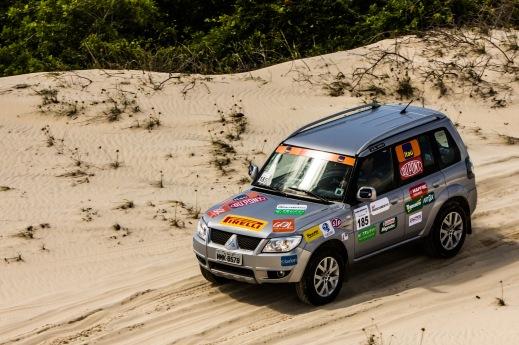Competidores enfrentarão dunas na prova de sábado - Adriano Carrapato/Mitsubishi