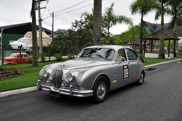 Jaguar MK2 (1962) dos cariocas Gilbert e Raquel Landsberg - Vera Lambiasi