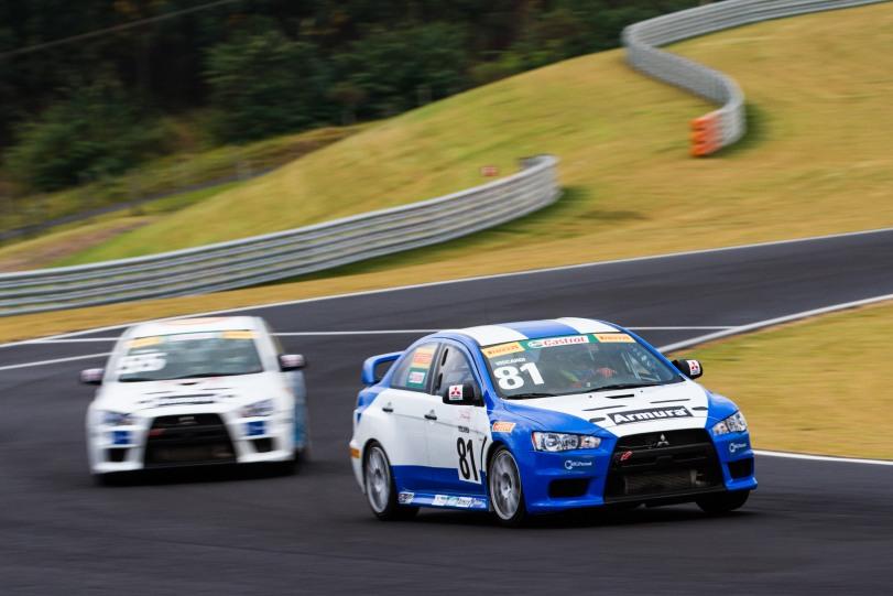 Pilotos fazem sessões de treinos nesta sexta - om Papp / Mitsubishi