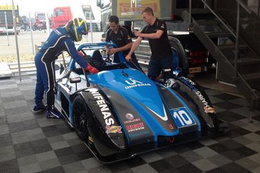 Victor Corrêa abandonou em Silverstone