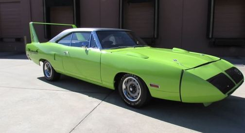 1970-Plymouth-Superbird-front