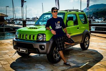 Guilly Brandão,tricampeão mundial de kitesurf, curte Ilhabela de Jimny - Murilo Mattos/ Suzuki Veículos