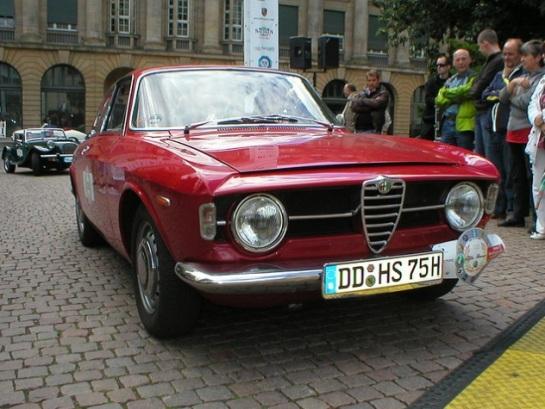 "Alfa Romeo ""Bertone"" GT 1300 Junior - Scalino"
