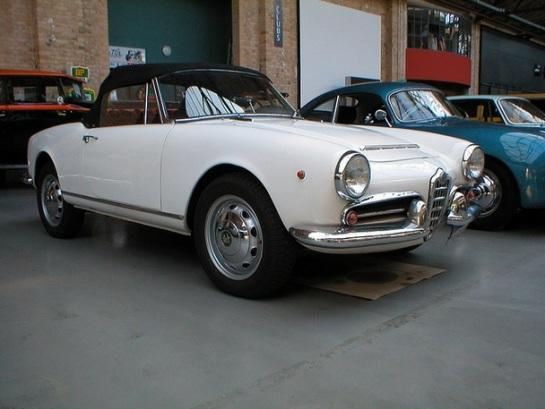 Alfa Romeo Giulietta Spider (Series III - Tipo 101)
