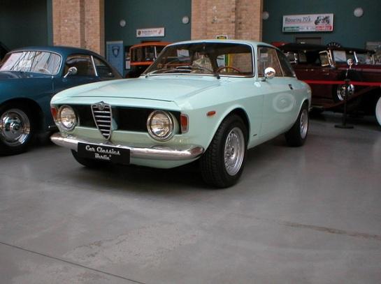 "Alfa Romeo Giulia Sprint GT ""Scalino"""