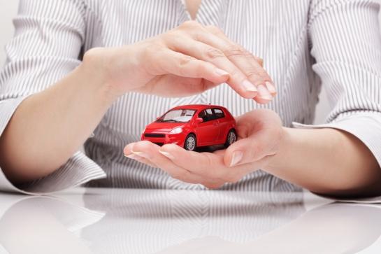 (Fonte: http://blog.mesegura.com.br/wp-content/uploads/2014/05/22-dicas-para-cuidar-bem-do-seu-carro-e-economizar-dinheiro-MeSegura.jpg)